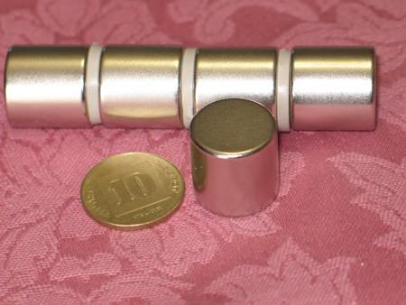 מגנט ניאודימיום גליל - קוטר 18 מ''מ, גובה 18 מ''מ (NC-2000)