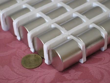 מגנט ניאודימיום גליל - קוטר 25 מ''מ, גובה 25 מ''מ (NC-2200)