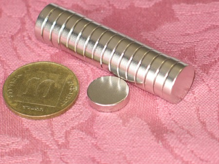 מגנט ניאודימיום דיסק - קוטר 12 מ''מ, גובה 3 מ''מ (ND-1400)