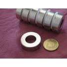 מגנט ניאודימיום טבעת - קוטר חיצוני 30 מ''מ, קוטר פנימי 10 מ''מ, גובה 12 מ''מ (NR-1600)