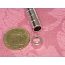 מגנט ניאודימיום טבעת - קוטר חיצוני 9 מ''מ, קוטר פנימי 6 מ''מ, גובה 6 מ''מ (NR-600)